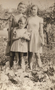 Cu mama si sora mai mare, 1964